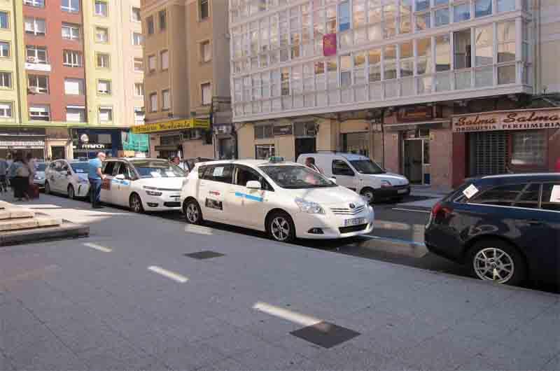 El Partido Regionalista de Cantabria critica la eliminación de paradas de taxi