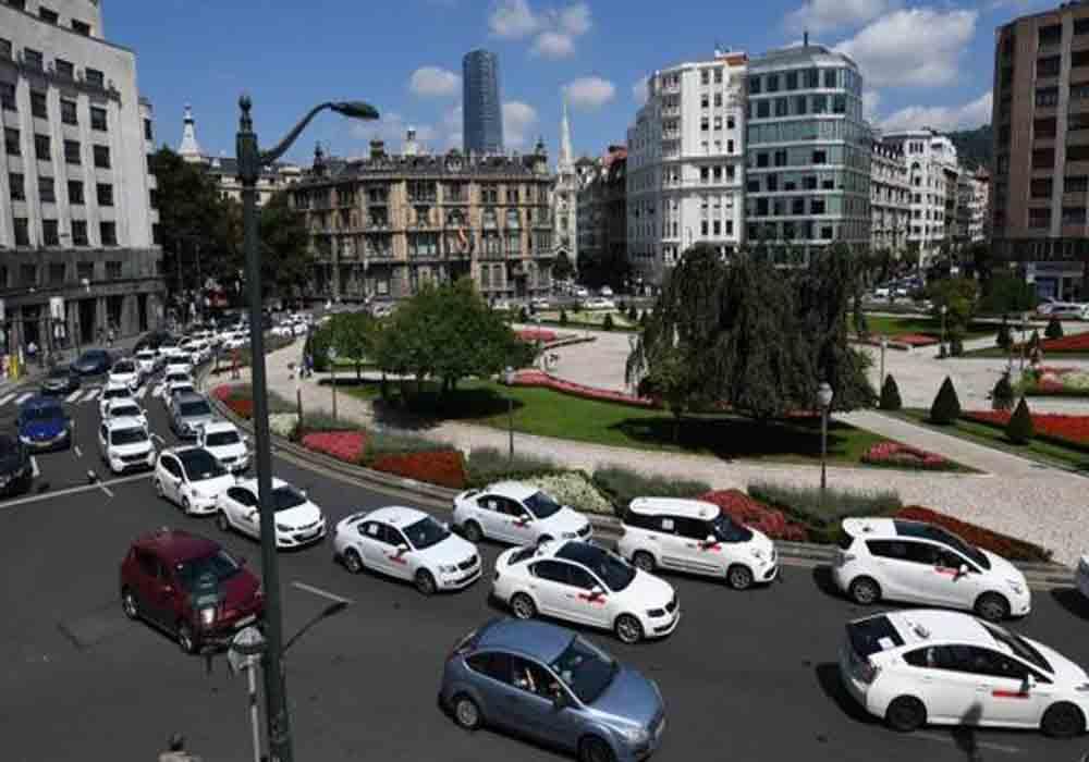 Elpidio Silva se reúne con Elite Taxi Bizkaia