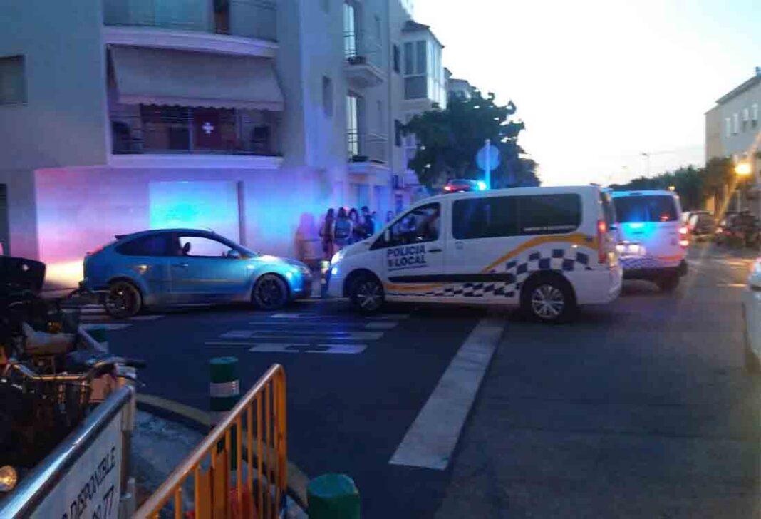 Un pirata del transporte en Ibiza agrede a un policía en un control