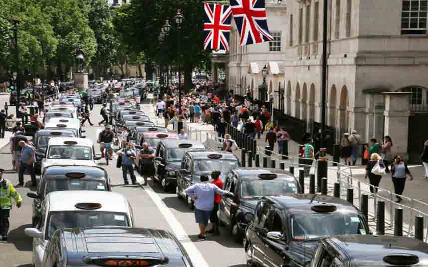 El centro de Londres bloqueado por los taxistas