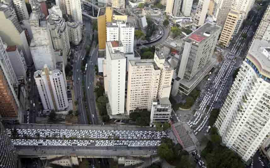 Los taxistas bloquean el centro de Sao Paulo el 9 de septiembre de 2015