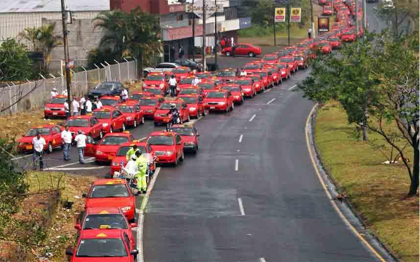 Los taxistas de Costa Rica organizan una protesta nacional contra Uber
