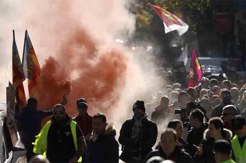 Los taxistas protestan en Madrid el 29 de noviembre de 2017