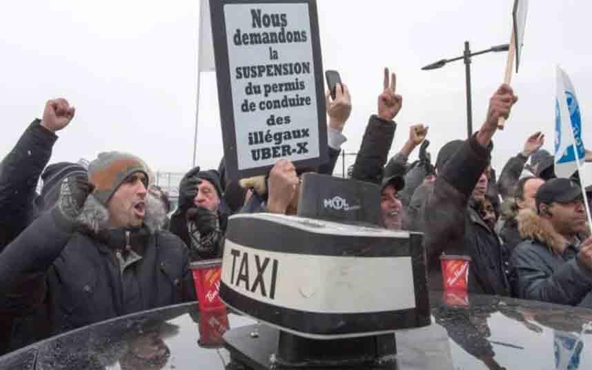 Manifestación contra Uber en el aeropuerto Pierre Elliott Trudeau de Montreal