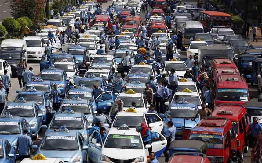 Protestas de los taxistas en Indonesia contra Uber