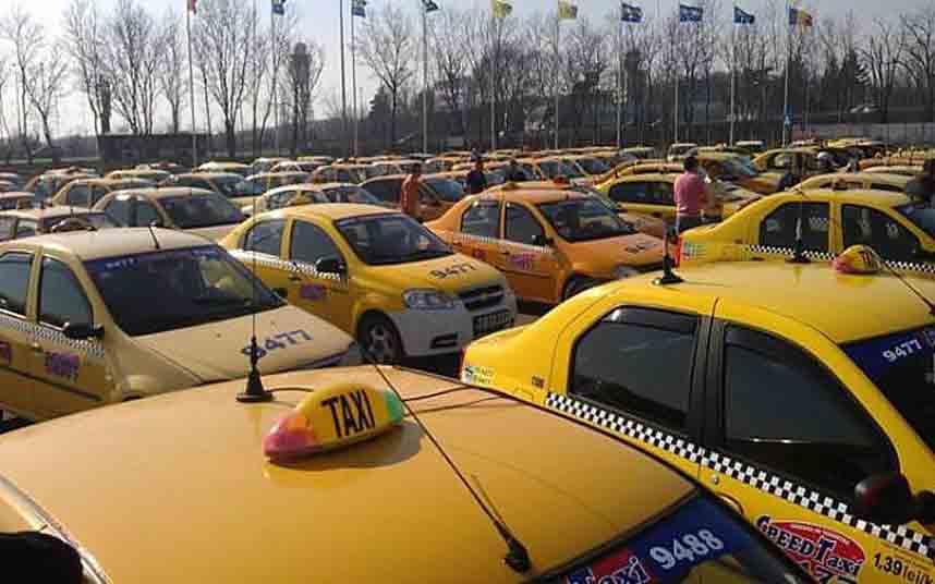 Taxistas rumanos convocan una gran protesta contra Uber en Bucarest