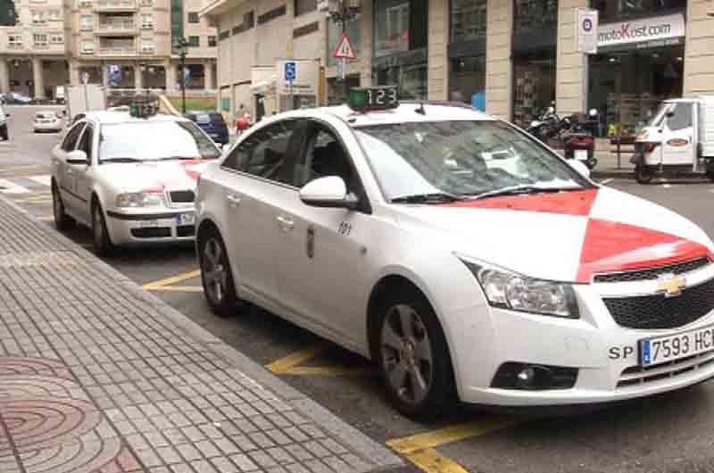 Taxistas y Concello de Vigo preparan la ordenanza para incluir el taxi compartido