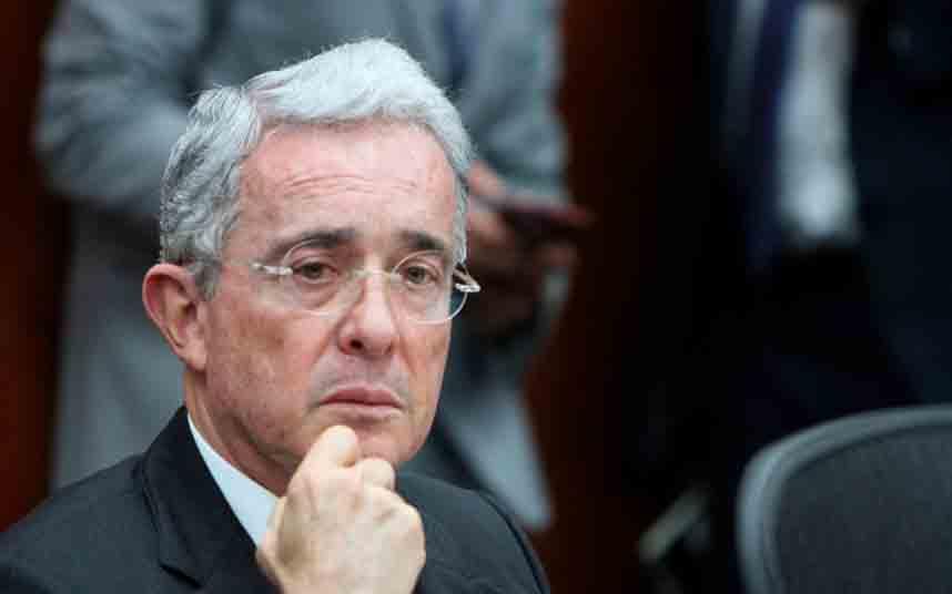 Colombia: Álvaro Uribe no apoyará la legalización de Uber