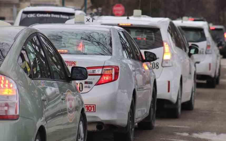 Los taxistas canadienses protestan contra Uber en Manitoba