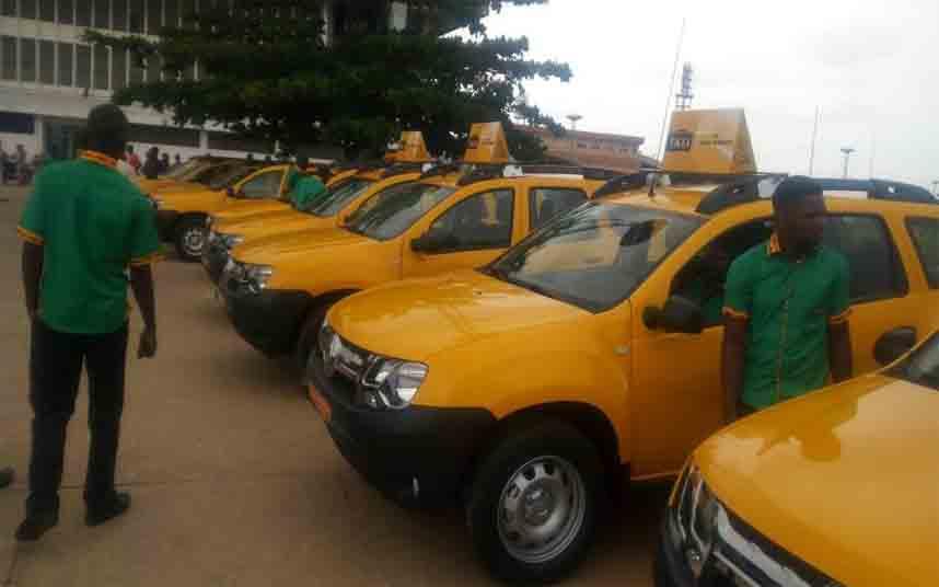 Los taxistas de Benín protestan contra Uber en Porto Novo