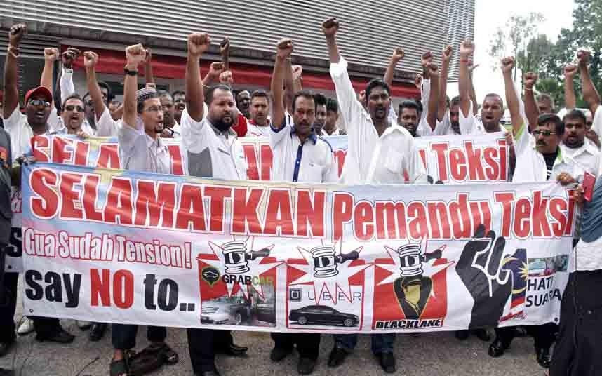 Los taxistas de Malasia están librando una guerra contra Uber