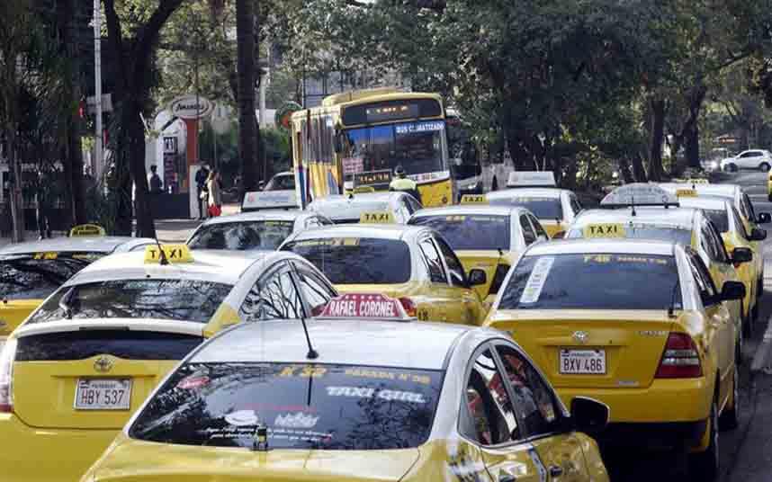 Los taxistas de Paraguay exigen la regulación de Uber y Muv