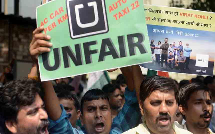 Los taxistas de la India protestan contra Uber en Bangalore