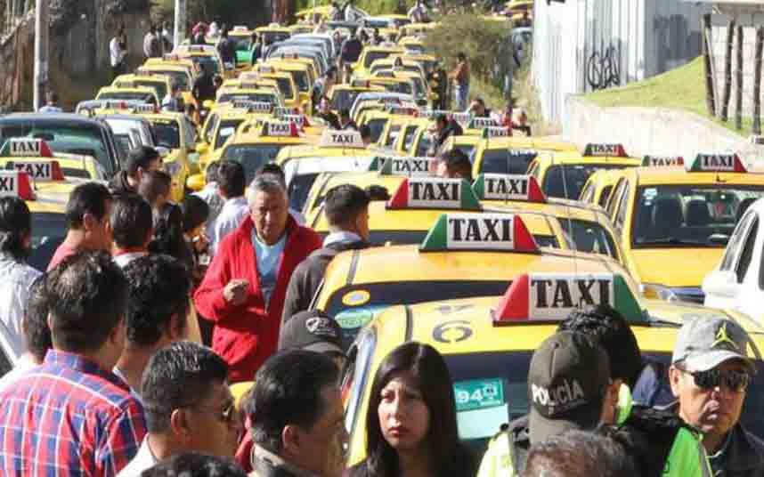 Manifestación de los taxistas ecuatorianos en Quito