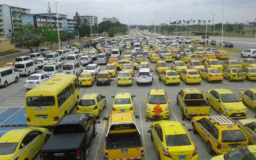 Protesta de los taxistas contra Uber en Panamá Oeste