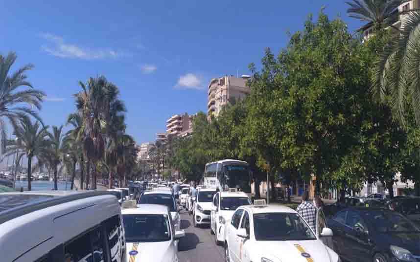 Protesta de los taxistas en Palma de Mallorca contra Uber