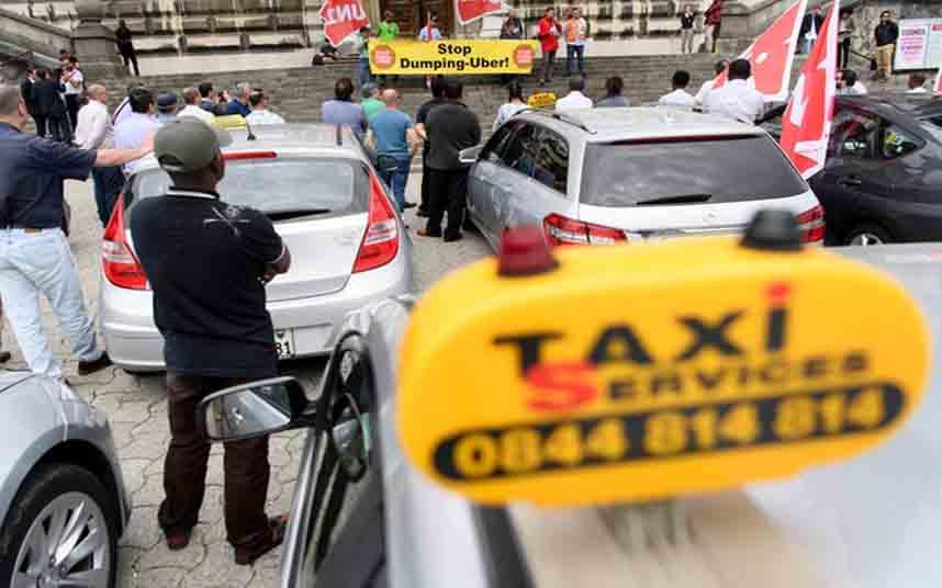 Protesta de los taxistas suizos contra Uber en Zurich