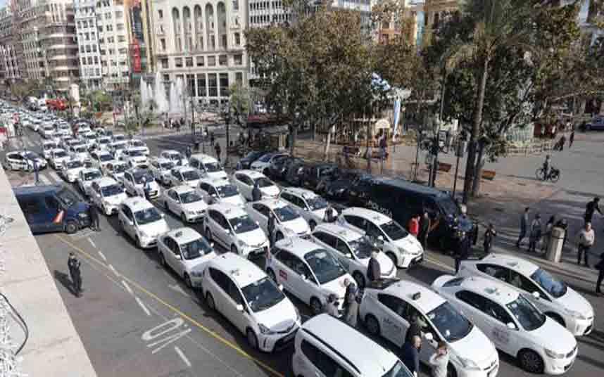 Protesta de los taxistas valencianos contra Uber
