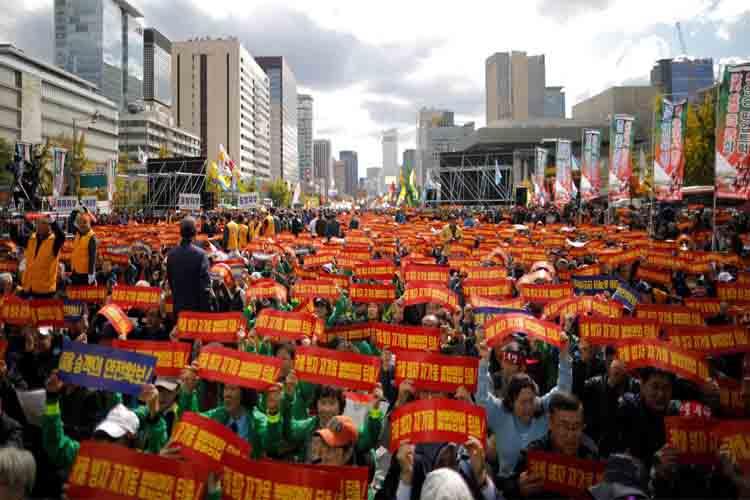 Taxistas protestan contra Uber en Corea del Sur
