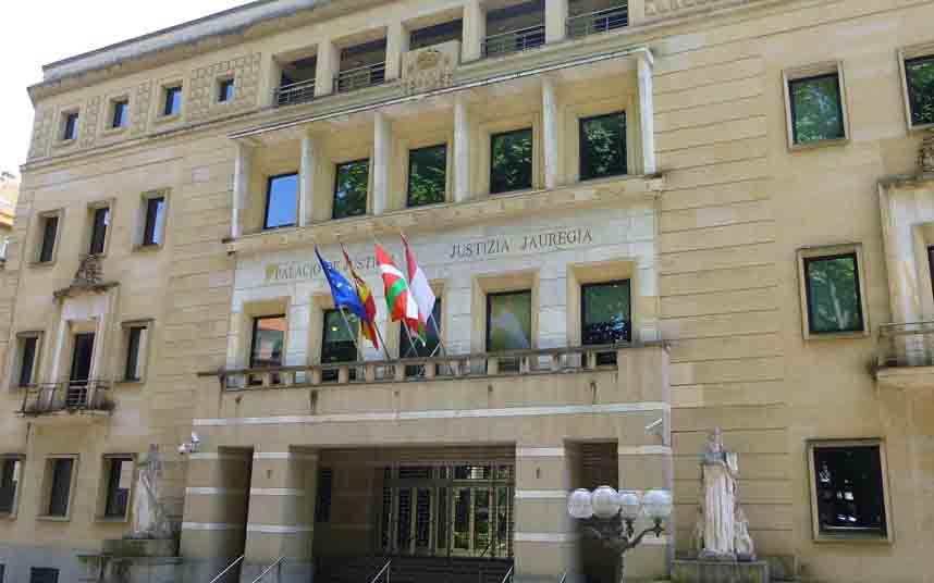 El TSJ del País Vasco suspende la normativa de los VTC