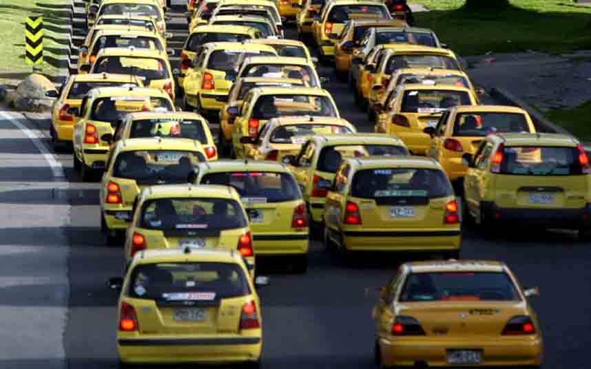 Multa a Uber en Colombia con 414 millones por servicios no autorizados