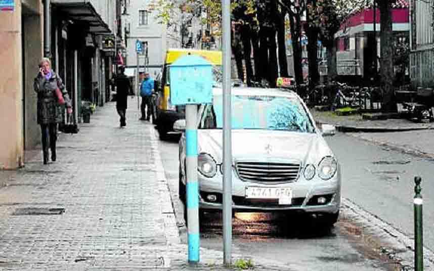 Vuelven a habilitar la parada de taxi de Gipuzkoa kalea en Zarautz