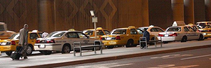 Uber se retirará del Aeropuerto de Phoenix si suben las tarifas de acceso