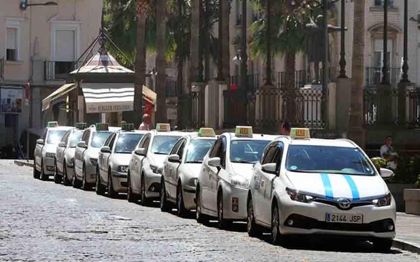 Adelante Huelva llevará al pleno del Ayuntamiento la ordenanza del taxi