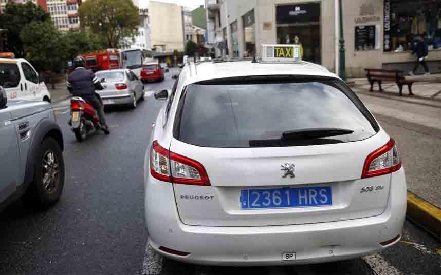 Detenido el menor que robó un taxi en Asturias amenazando con una navaja