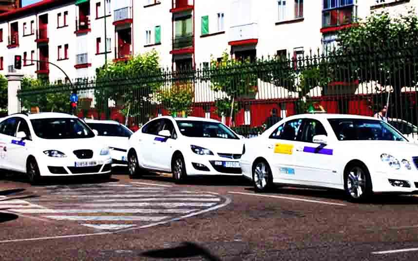 El Ayuntamiento de Valladolid llevará al Pleno la nueva Ordenanza del Taxi