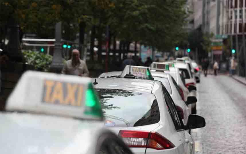 El Concello de San Xoán Río en Ourense propone taxis compartidos para las fiestas