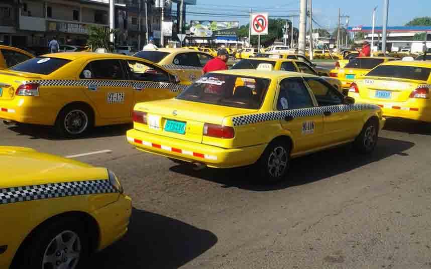 Los taxistas de Panamá se manifiestan contra Uber en Veraguas