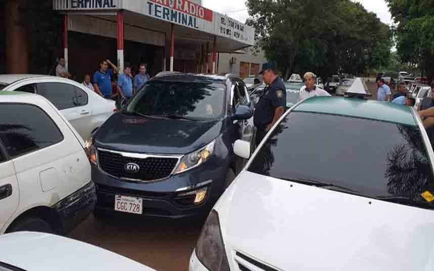 Los taxistas paraguayos le hacen