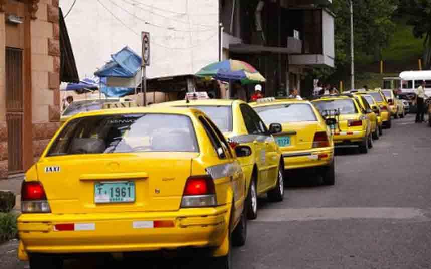 Panamá busca una regulación de Uber con permisos de transporte