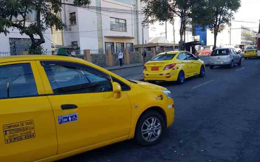 Termina el plazo de regularización de los taxis en Quito (Ecuador)