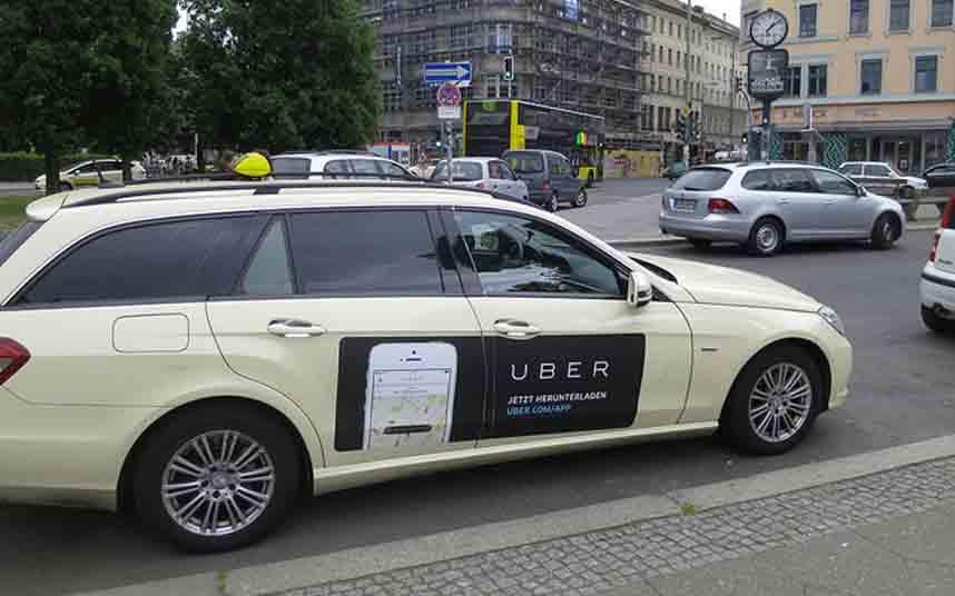 Uber recibirá multas de 10.000 euros si sigue operando en Bruselas