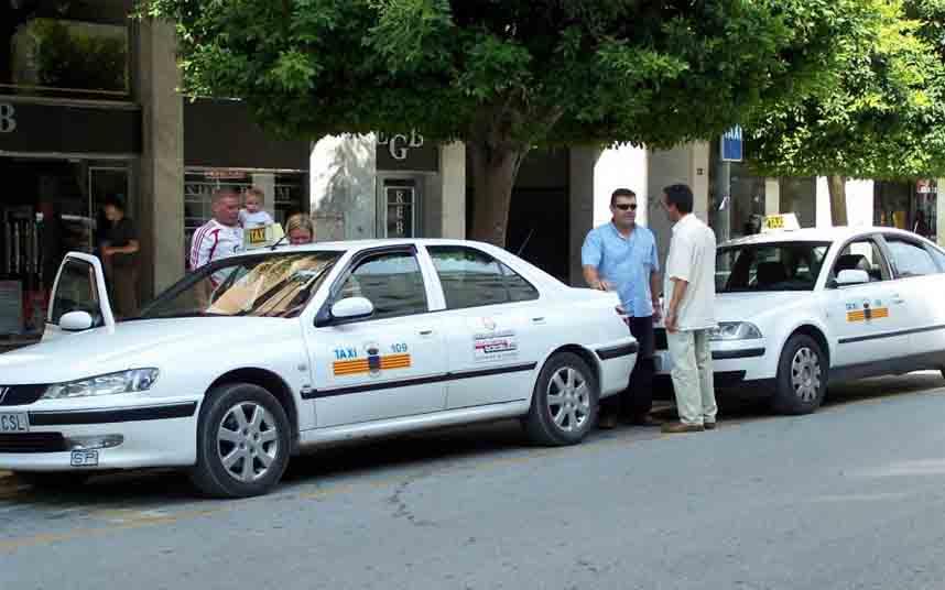 El Consell de Ibiza estudia que los taxis no puedan exceder de los 100 Km/h a través del taxímetro