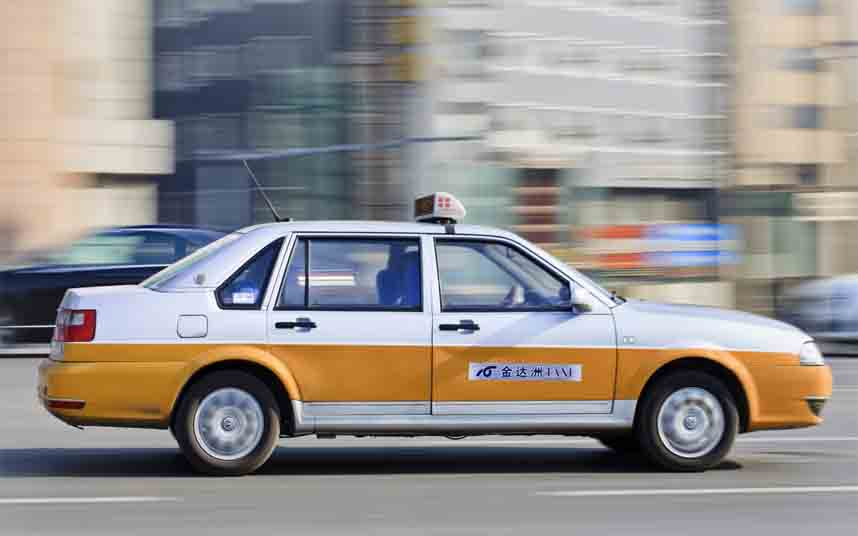 El Gobierno Chino prohíbe que las App de transporte ofrezcan viajes sin licencia