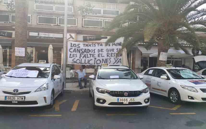 El ayuntamiento incorpora cinco licencias más de taxi en Motril (Granada)