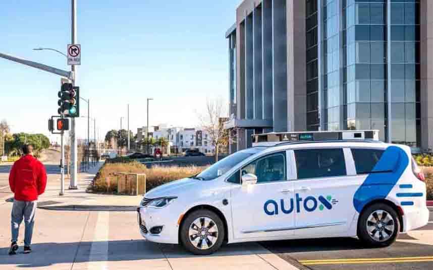 Fiat Chrysler planea lanzar un servicio de taxi robot en China