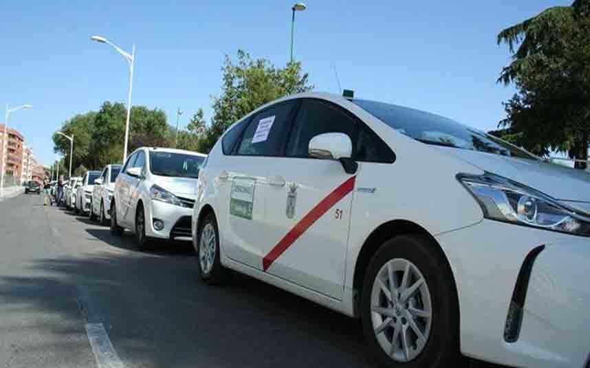 La Junta de Castilla-La Mancha y el taxi avanzan en la nueva Ley del Transporte