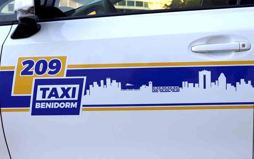 Nueva imagen corporativa de servicio público en el Taxi de Benidorm