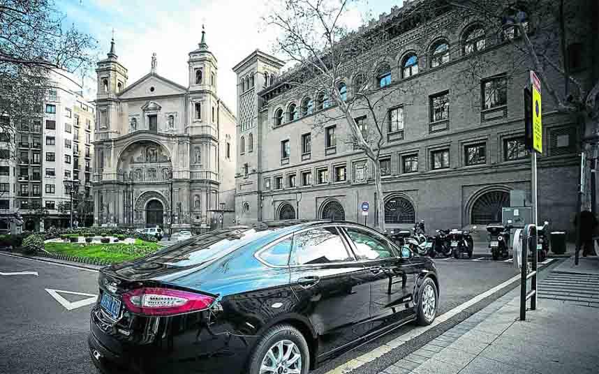 Cabify comienza a saltarse la normativa en Zaragoza, igual que en otras ciudades