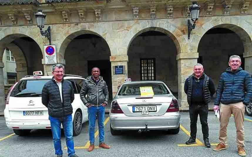 El Auzo-Taxi de Bergara incorpora nuevas mejoras en su servicio