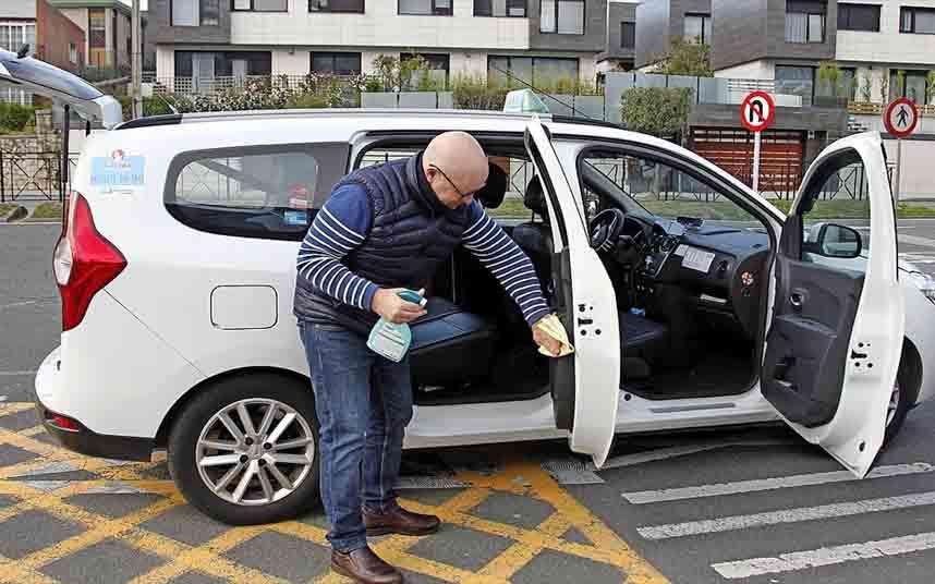 El taxi de Santander reduce el número de vehículos en las calles