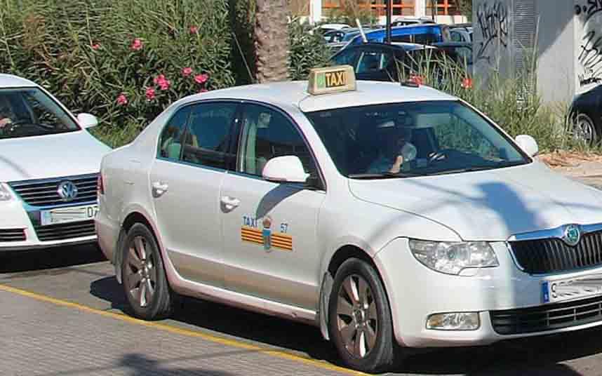La asociación de taxistas Elite Corsaris d'Eivissa informa ante el coronavirus