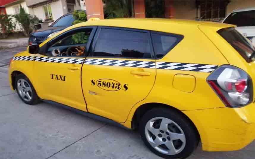 Los taxis de El Salvador solamente podrán circular con un pasajero por el coronavirus