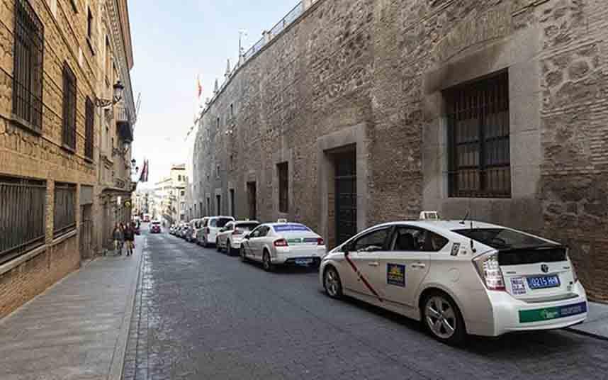 Los taxis de Toledo están todos sin trabajo debido al coronavirus