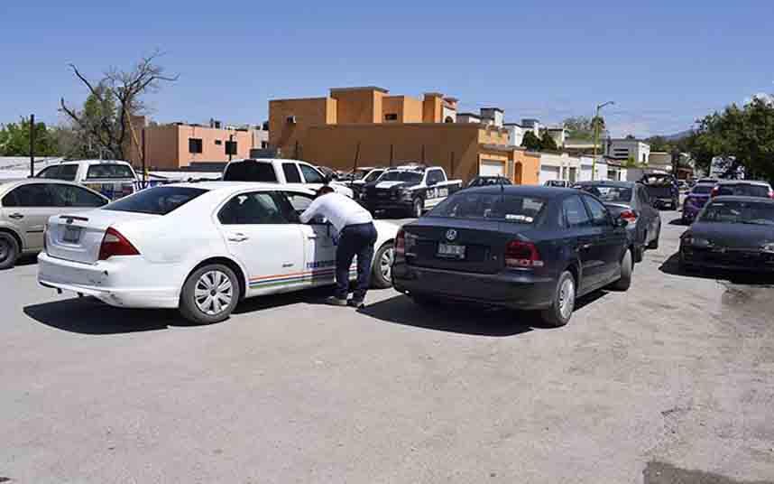 Precintado otro vehículo de Uber en Monclova (México)