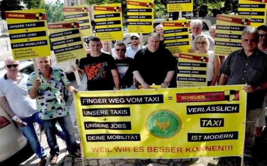 Protesta contra Uber de los taxistas de Magdeburgo (Alemania)